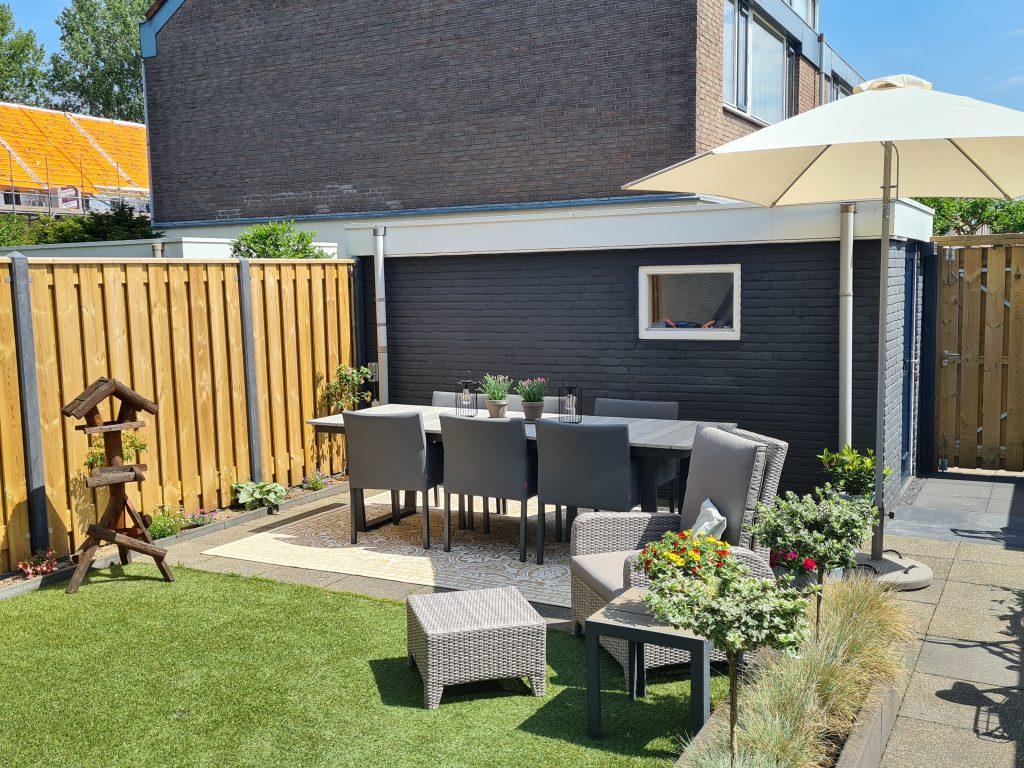 Onze 'vernieuwde' en gezellige tuin