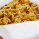 Recept: bladerdeeghapjes met pesto en kaas