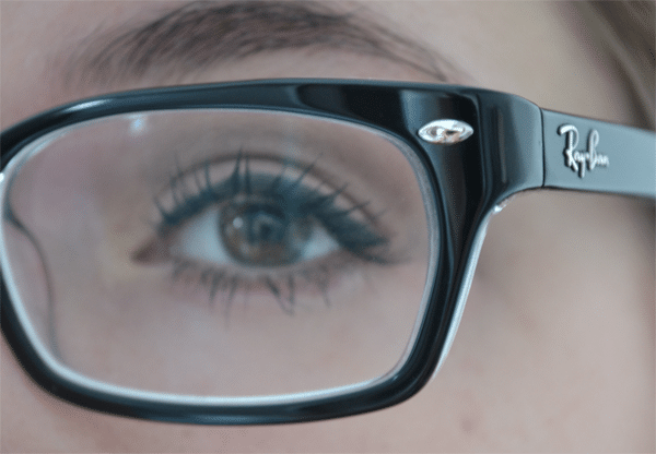 Make-up met bril op