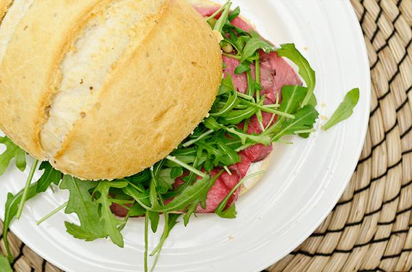 Lunchtip: Broodje rosbief met rucola