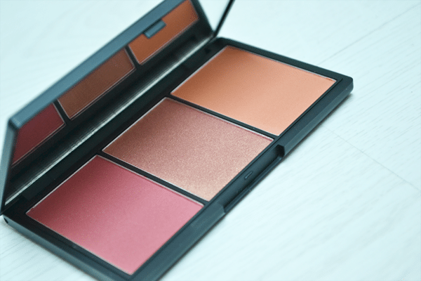 Win een Sleek Blush By 3 Palette!
