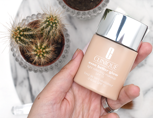 Clinique Even Better Glow Light Reflecting Makeup Foundation