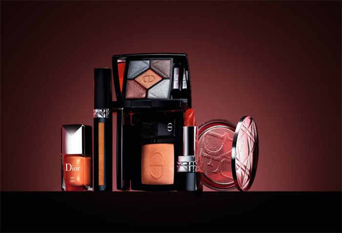 Dior Fall Look Dior en Diable Rouge Dior