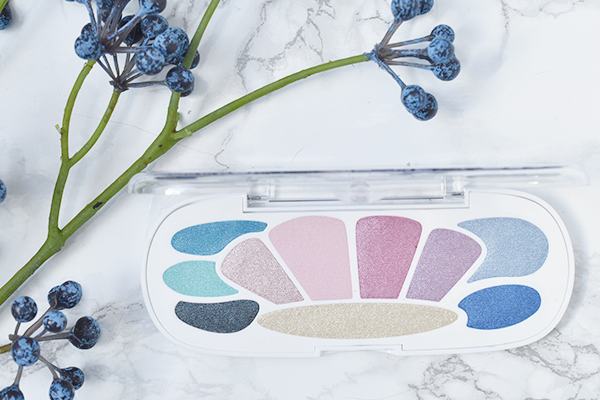 Essence Mermaid Eyeshadow Box