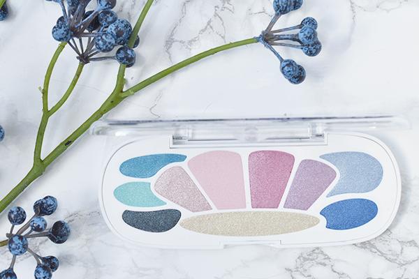 Essence Mermaid Eyeshadow Box