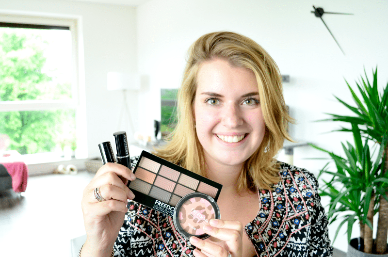First Look: Freedom Make-Up London