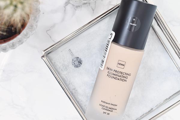 HEMA Skin Protecting Illuminating Foundation