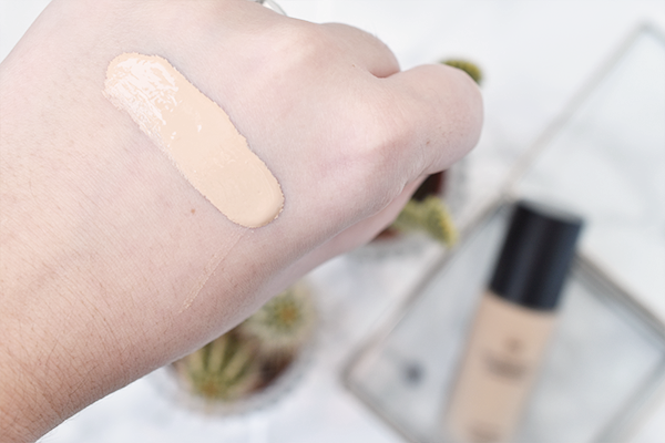 HEMA Skin Protecting Illuminating Foundation