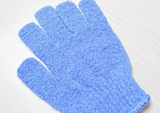 Handig: Scrub handschoen