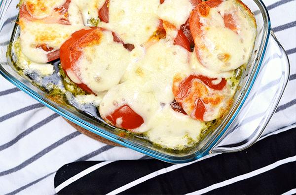 Kipfilet uit de oven met mozzarella, pesto en tomaat6