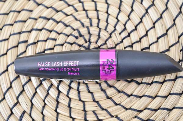 Max Factor False Lash Effect Bold Volume for up to 24 hours Mascara
