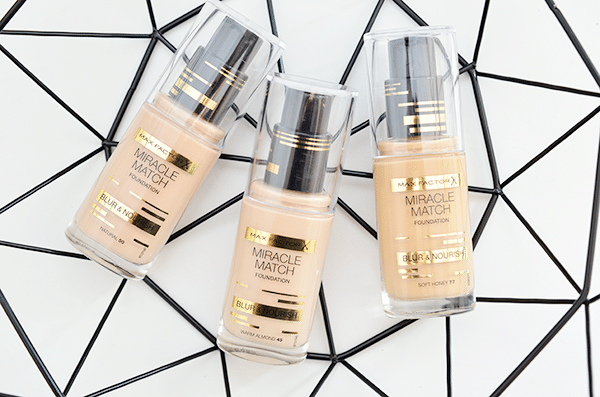 Max Factor Miracle Match Blur & Nourish Foundation