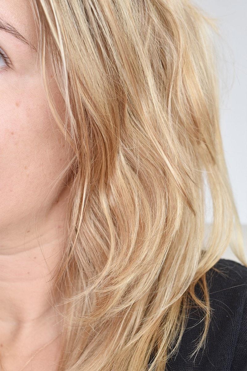 Olaplex No.4 Blonde Enhancer Toning Shampoo6