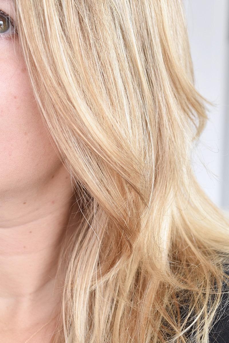 Olaplex No.4 Blonde Enhancer Toning Shampoo7