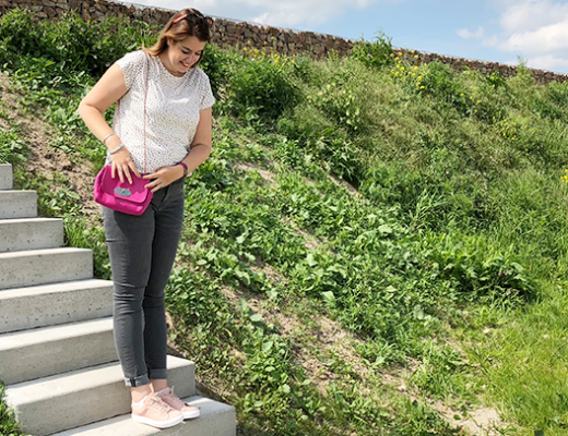 Outfit: a touch of pink