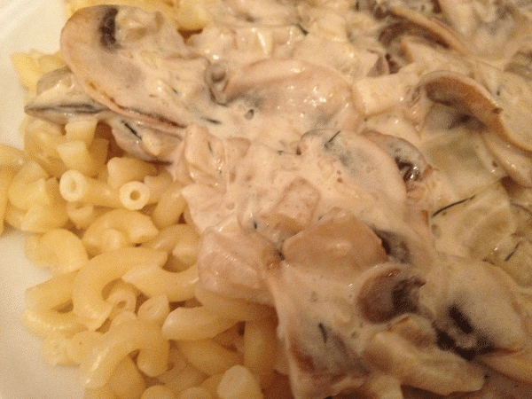 Pasta met zelfgemaakte champignonsaus