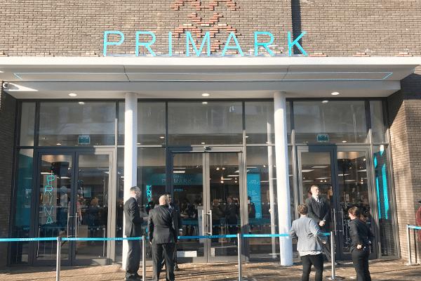 Binnen kijken bij Primark Zwolle