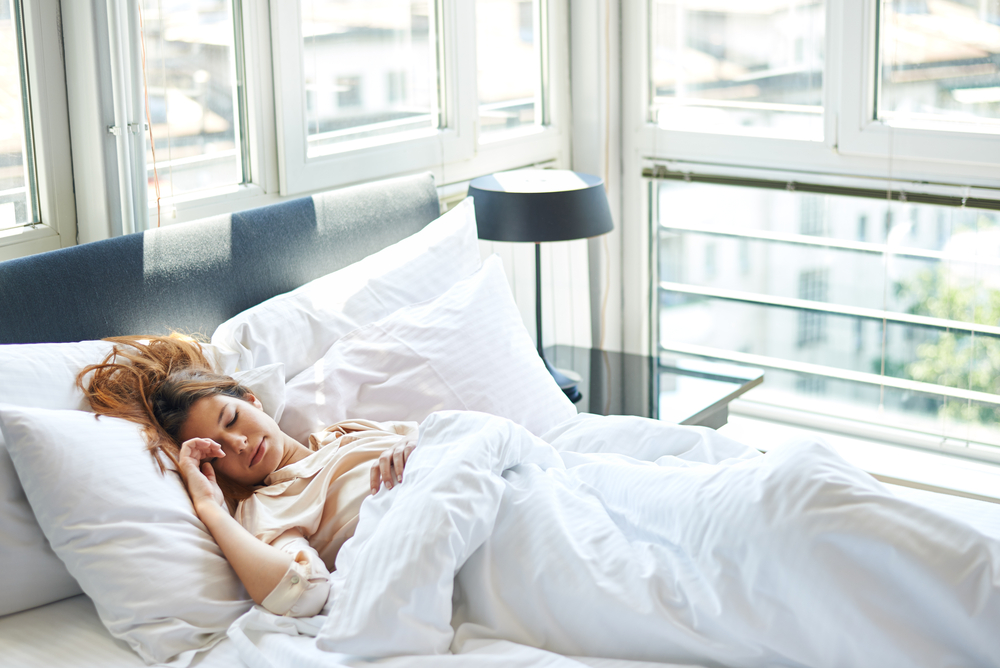 10 tips om beter te kunnen slapen met warm weer
