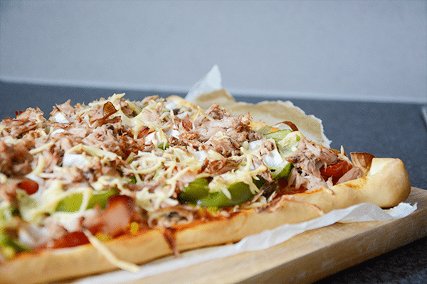 Recept: Rijkbelegde Tonijn Pizza