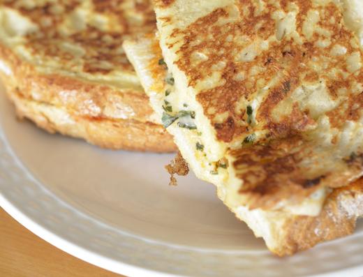Recept: gebakken mozzarella tosti