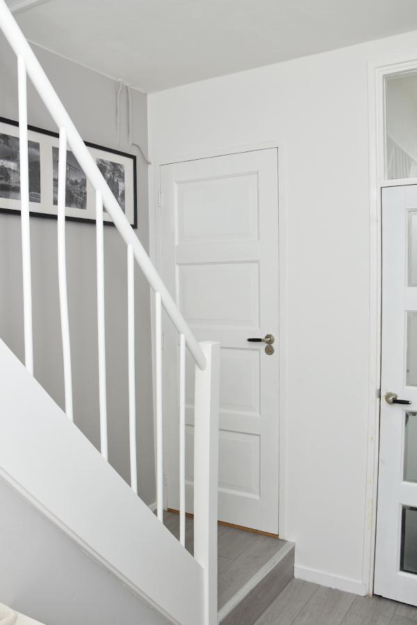 Klusproject: de trap en de hal + win een binnenschilder