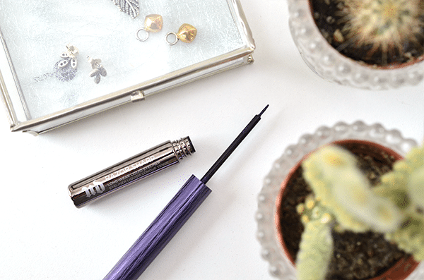 urban-decay-razor-sharp-liquid-eyeliner5