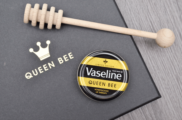 Vaseline Queen Bee Honeylicious Lip Therapy