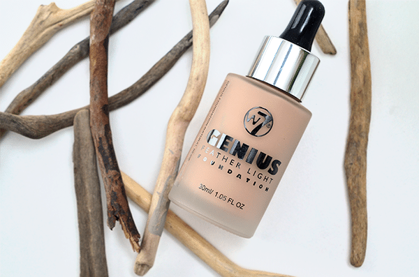 W7 Genius Feather Light Foundation