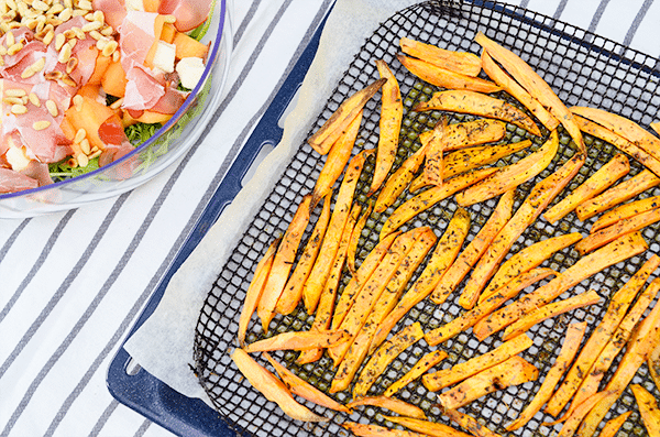 Zoete aardappel frietjes uit de oven