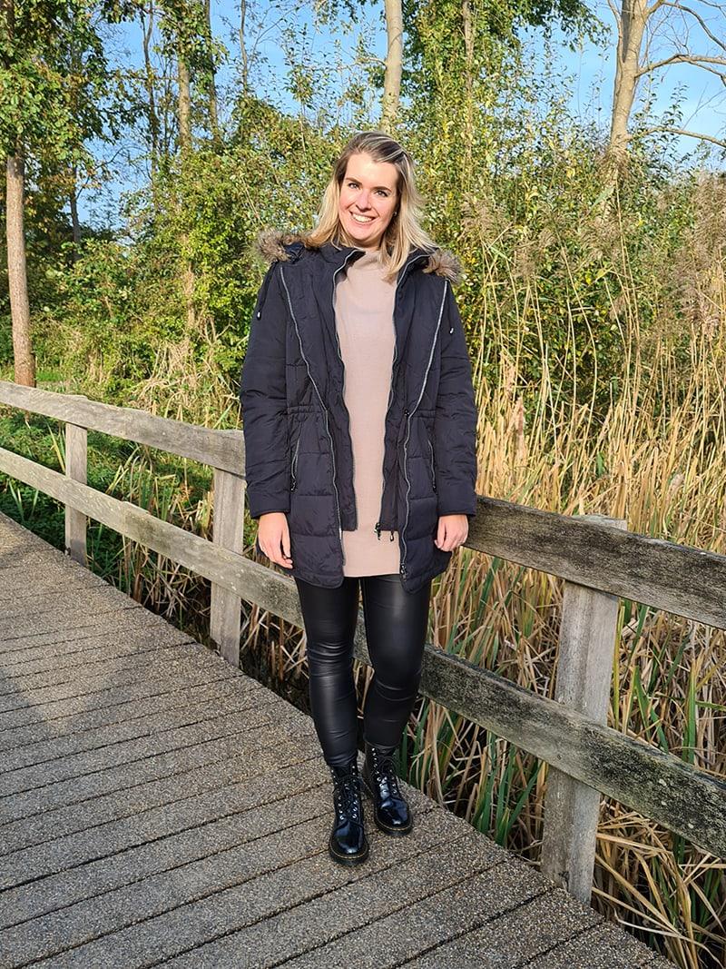 Stijlvolle en warme basic outfits voor de herfst