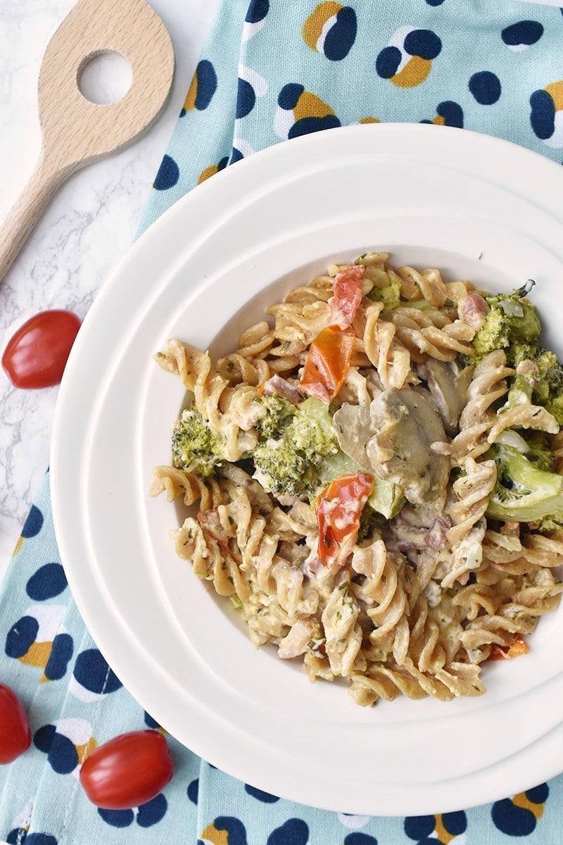 Pasta met broccoli, spekjes en Paturain